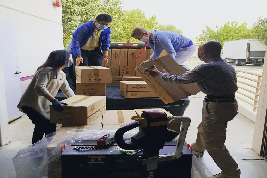 benefits of hiring a moving company why you need a moving company reasons to hire professional movers reasons to hire a moving company is hiring movers worth it advantages of moving services why hire a moving company why you need a moving company reasons to hire professional movers